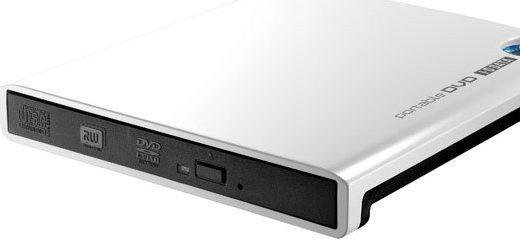 持っておけば便利!MacBook Airで使える外付けCD/DVDドライブ